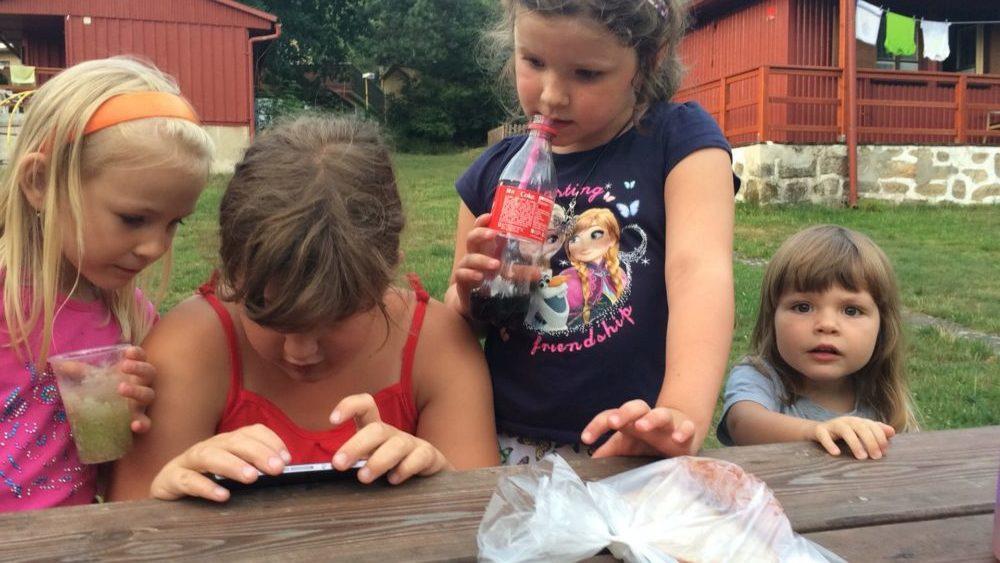 Lilka poznává svět koka kol a obtloustlých holčiček